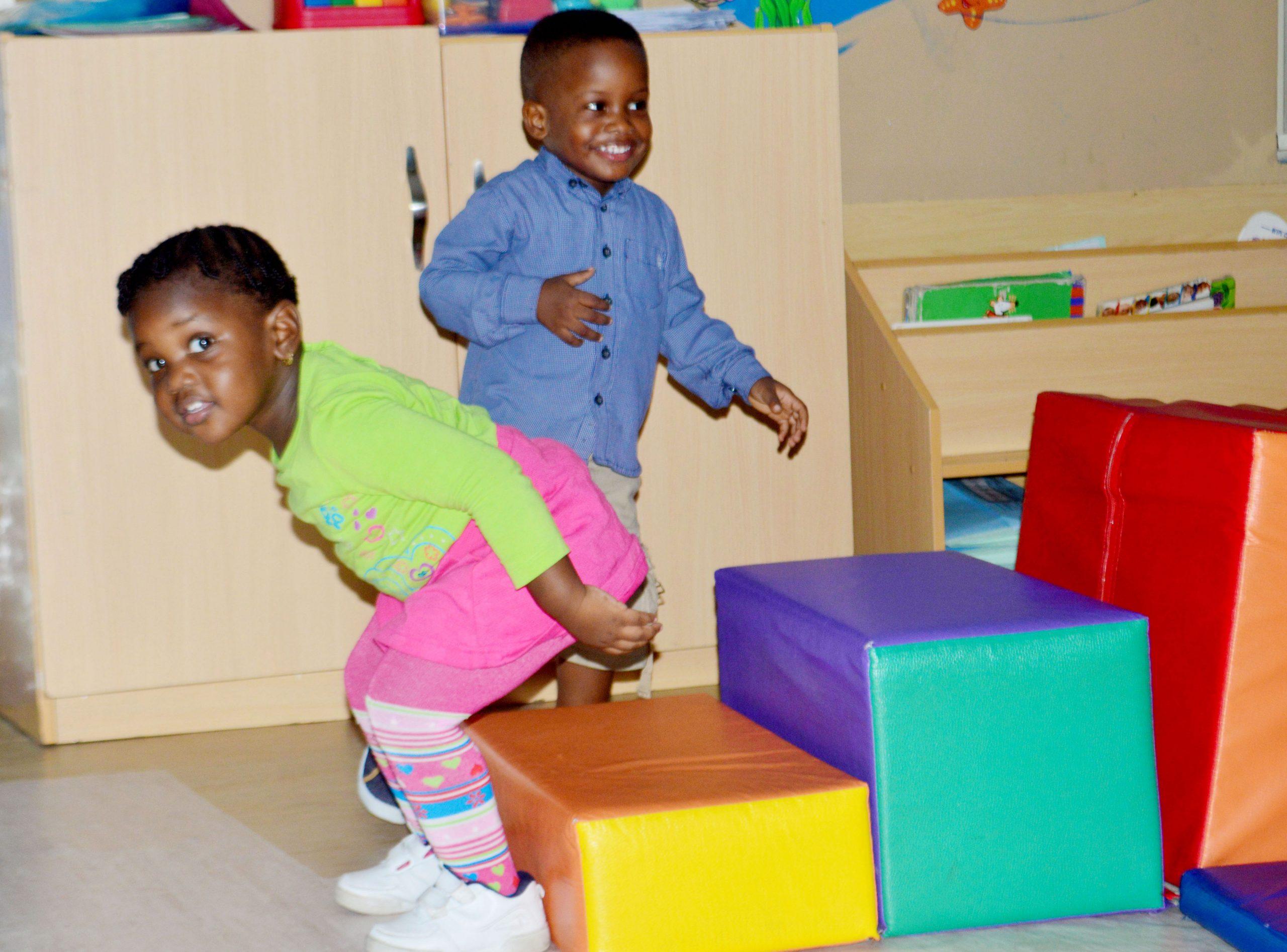Playing children_5 ways to nurture creativity in your child